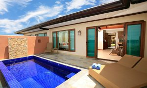 plunge-pool-with-dining