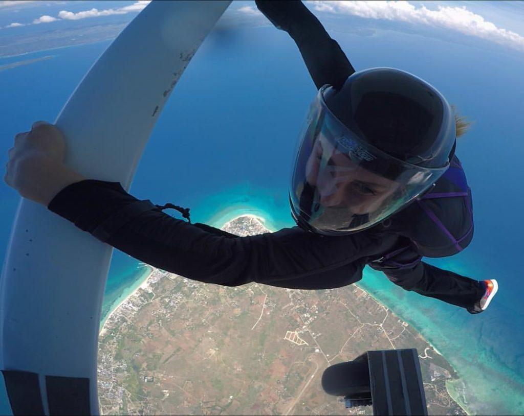 Филиппины прыжки с парашютом